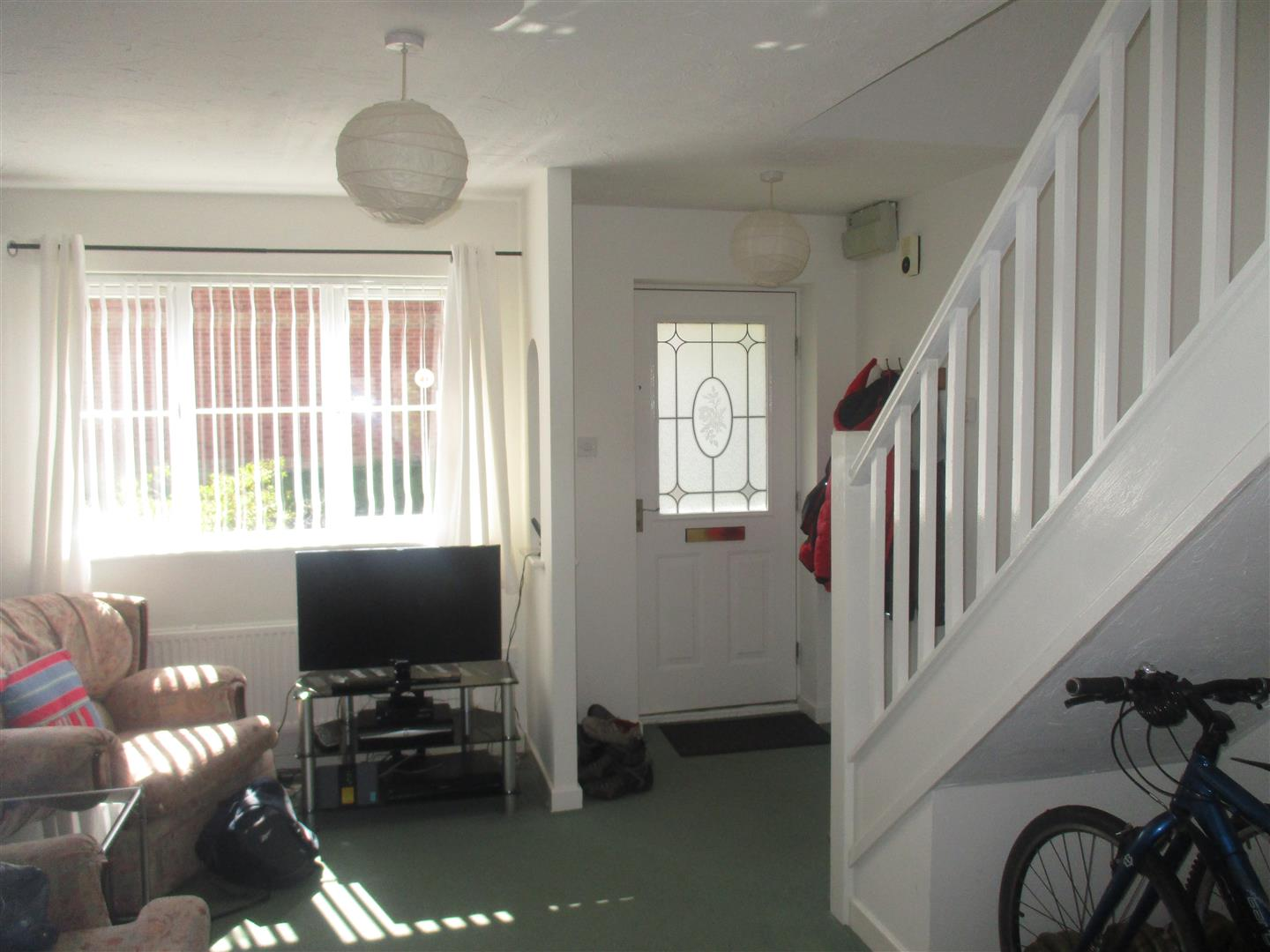 2 Bedrooms Semi Detached House for sale in Whinberry Way, Cardiff